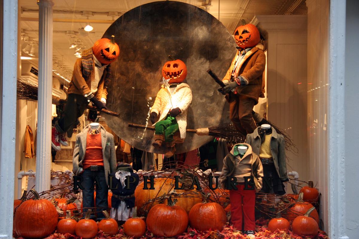 Halloween Shop Displays.Halloween Window Displays Best Window Displays