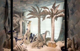 Hermès Window Display of Summer 2011