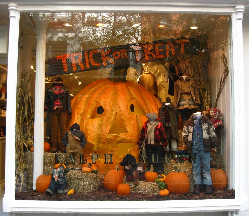 source: http://ritournelleblog.com/2010/11/02/halloween-in-new-york-store-windows-and-pumpkins-in-greenwich-village/
