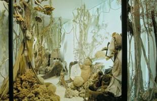 Hermès Window Display of Summer 2000