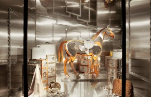 Hermès Window Display of Spring 2011