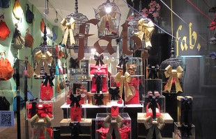 "Fab. ""Wrapped Birdcages"" Christmas Window Display"