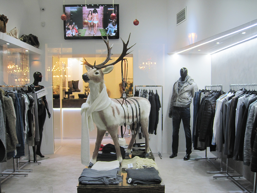 Holidays clothing store