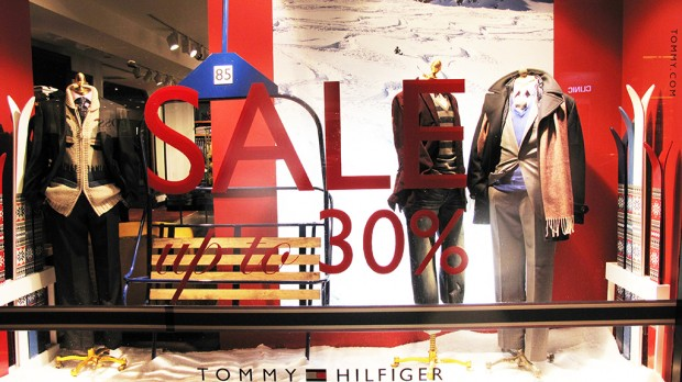 Tommy Hilfiger Winter SALE Window Display Best Window Displays