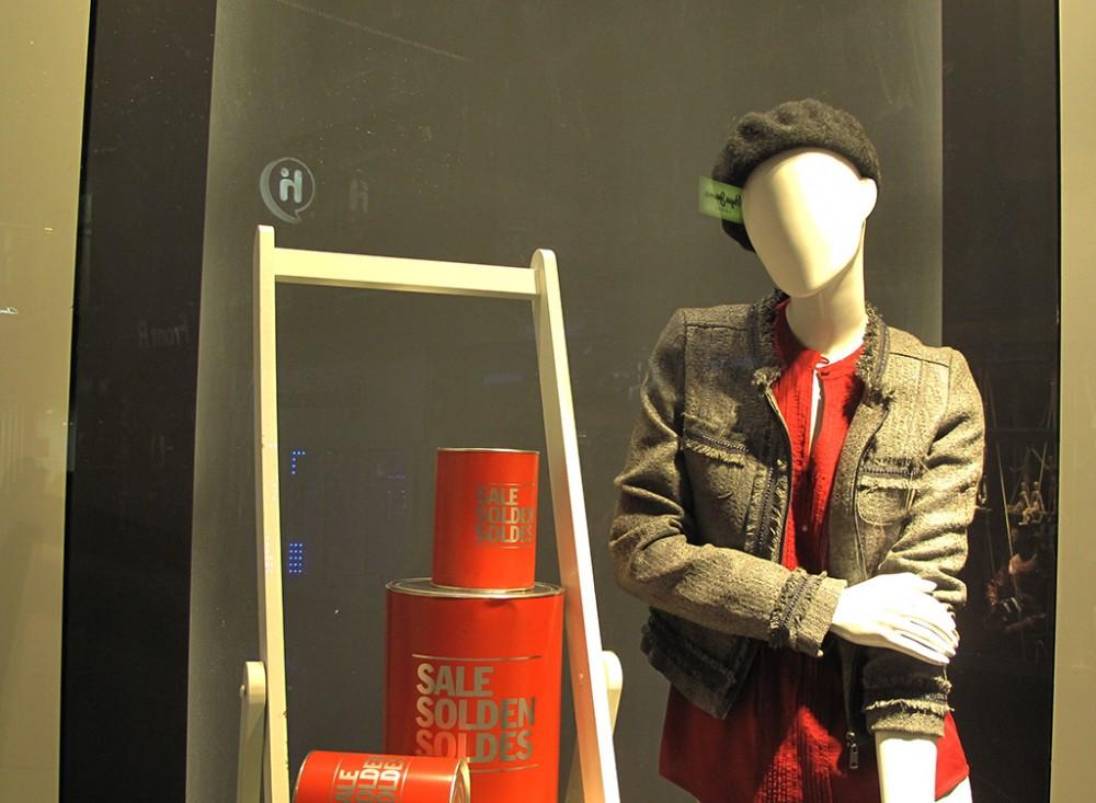 Red Label Sale Solden Soldes Paint Buckets Window