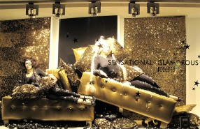 "Wolford ""Sensational Glamorous Time"" Holiday Window Display by Hank van Boekel"