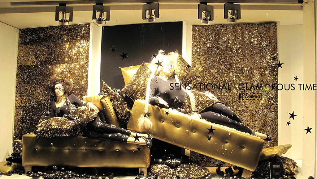 Wolford Quot Sensational Glamorous Time Quot Holiday Window