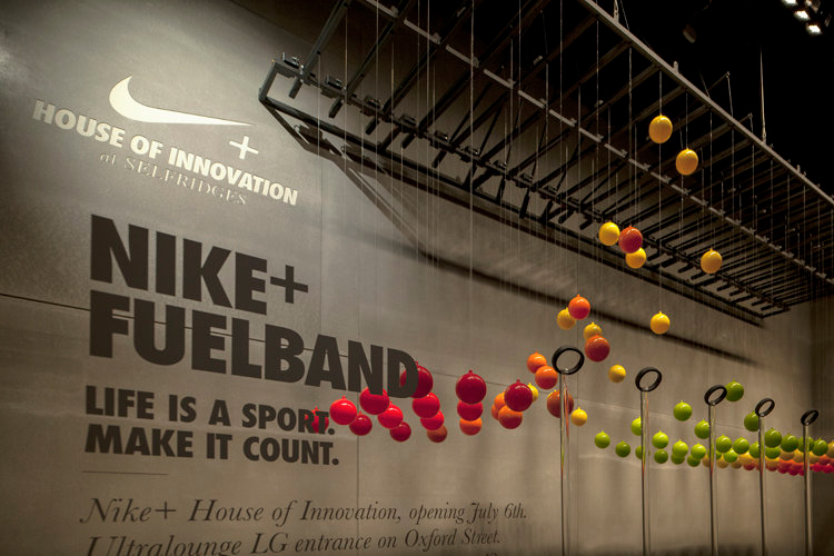 The Dutch Creative Agency Staat Created 8 Interactive Window Displays For Nike Were Visible During Olympics In Department Store