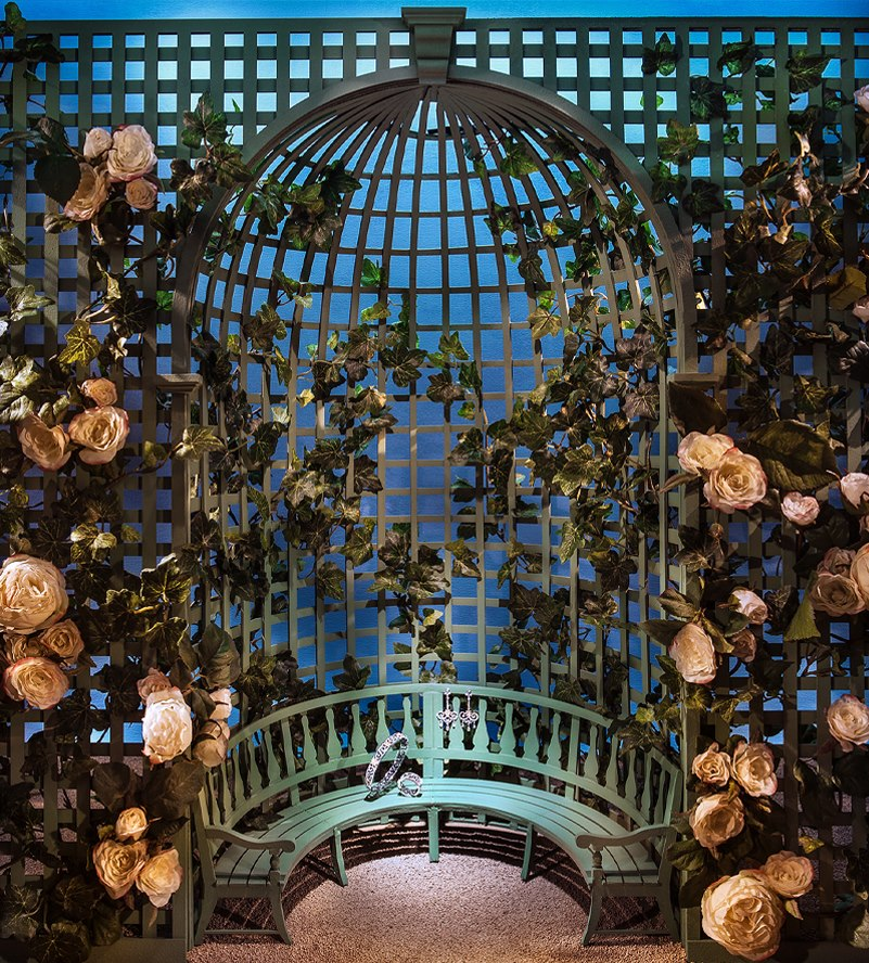 Tiffany co 39 secret garden 39 spring window display best for Secret romantic places nyc