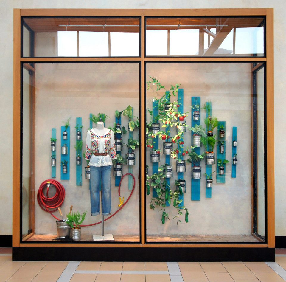 best-window-displays_anthropologie_2013_earth-day_01