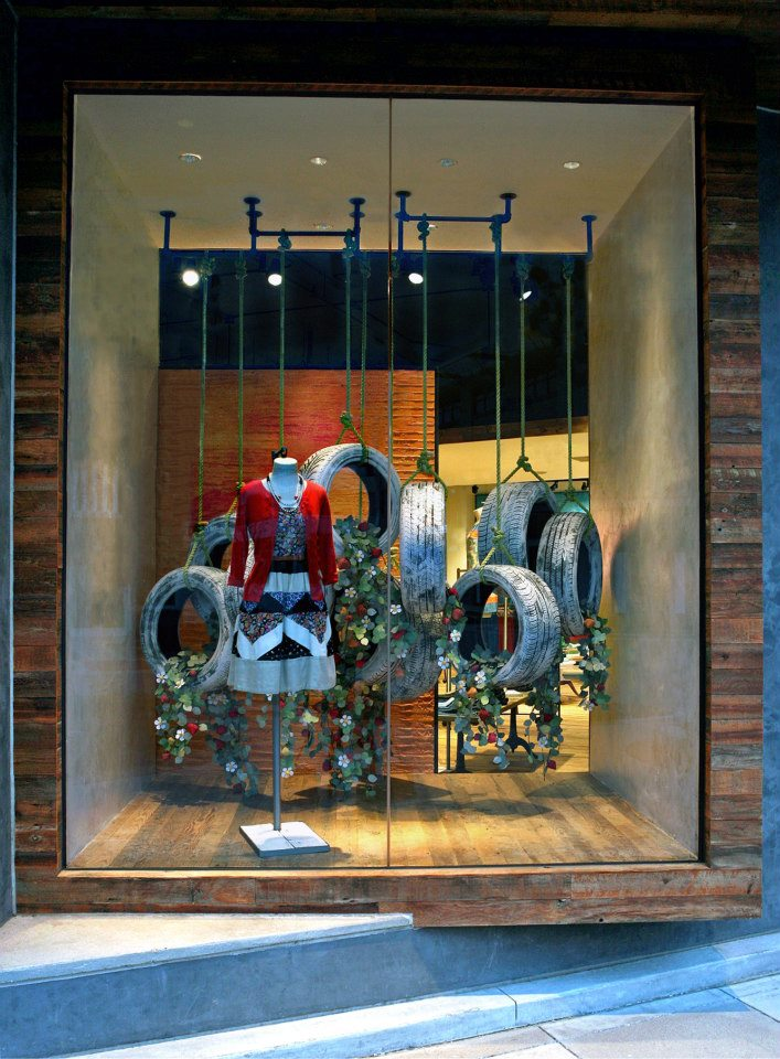 best-window-displays_anthropologie_2013_earth-day_05