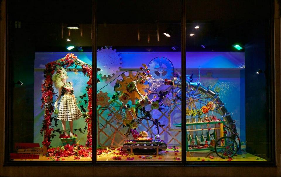 best-window-displays_harvey-nichols_2013_spring_fashion-factory_05