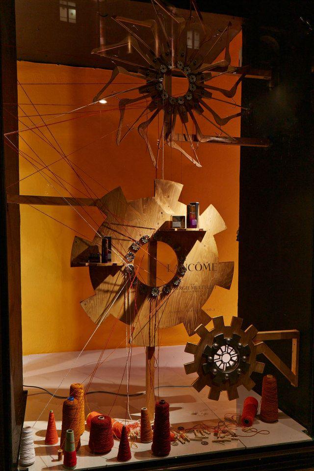 best-window-displays_harvey-nichols_2013_spring_fashion-factory_08