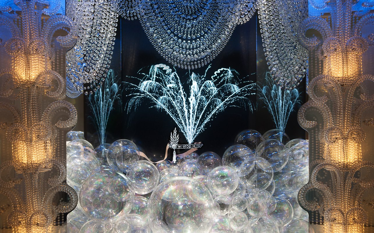the great gatsby window display at tiffany amp co in