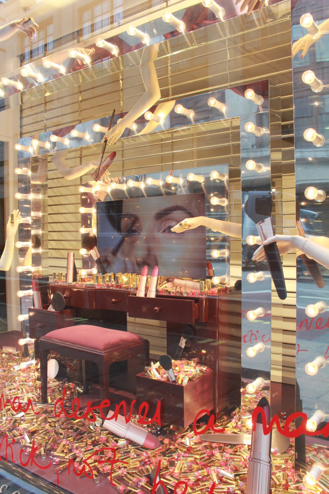 best-window-displays_charlotte-tilbury_selfridges_StudioXAG_08
