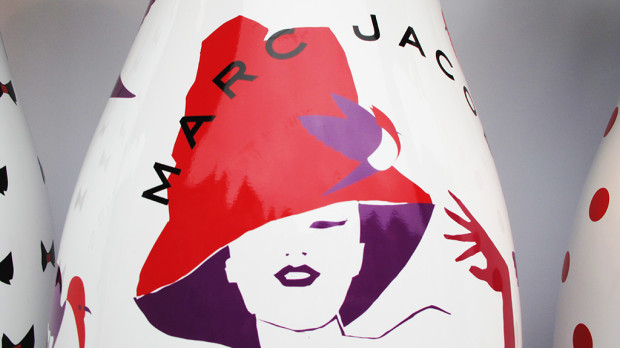 best-window-displays_coca-cola_2013_marc-jacobs_de-bijenkorf_12