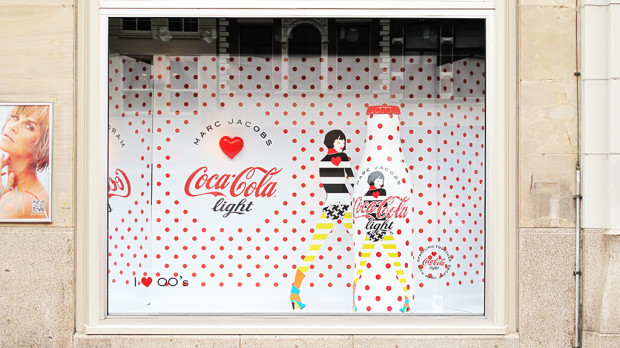 best-window-displays_coca-cola_2013_marc-jacobs_de-bijenkorf_29