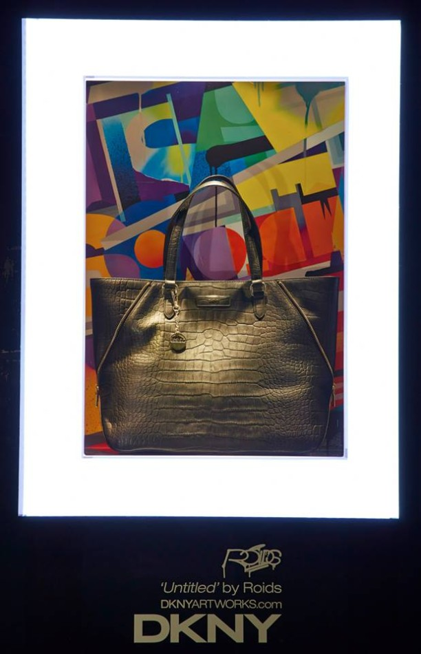 best-window-displays_harrods_2013_the-handbag-narratives_09