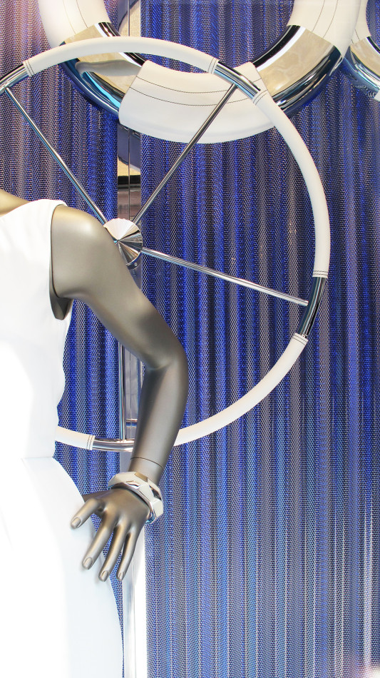 best-window-displays_hugo-boss_2013_summer_nautical-theme_04