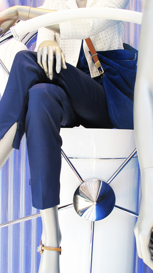 best-window-displays_hugo-boss_2013_summer_nautical-theme_08