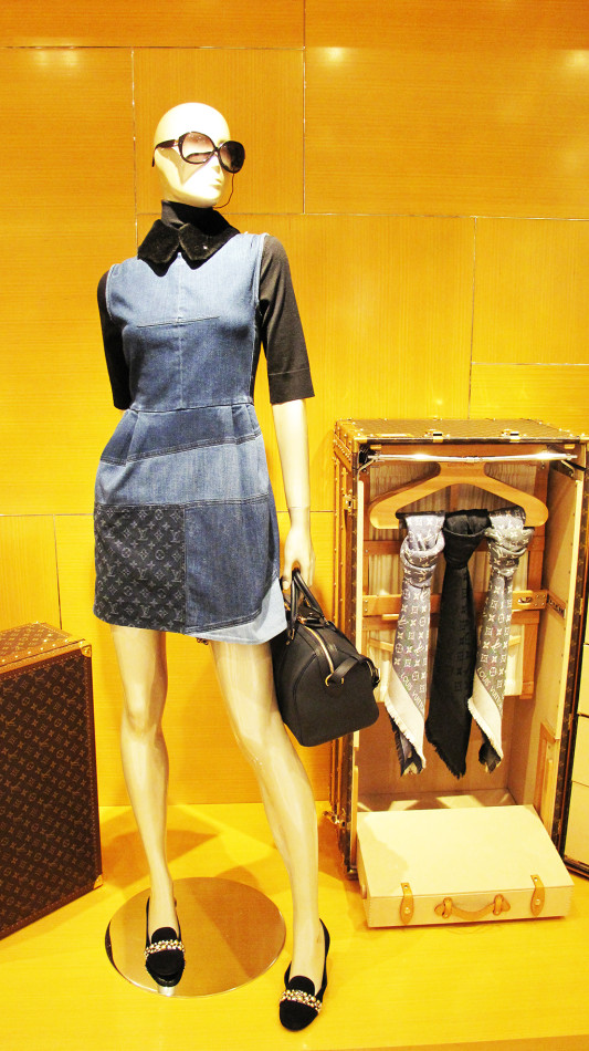 best-window-displays_louis-vuitton_2013_l-πρόσκληση-au-voyage_05
