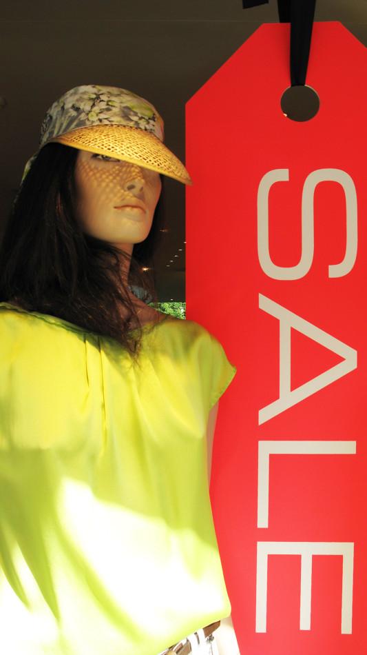 best-window-displays_marc-cain_2013_sale_summer_02