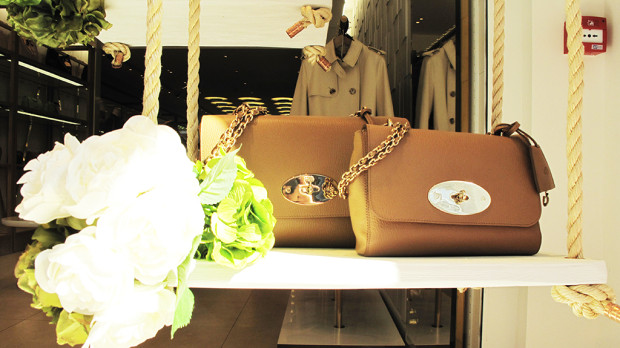 best-window-displays_mulberry_2013_summer_03