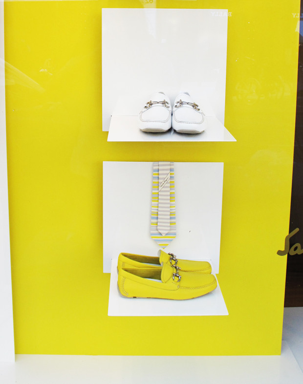 best-window-displays_salvatore-ferragamo_2013_summer_yellow_02