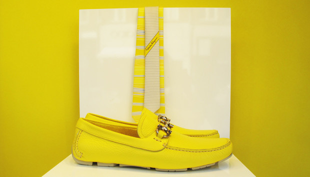 best-window-displays_salvatore-ferragamo_2013_summer_yellow_04