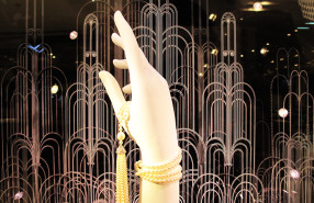The Great Gatsby 'Pearl Tassel Necklace' Window Display at Tiffany & Co