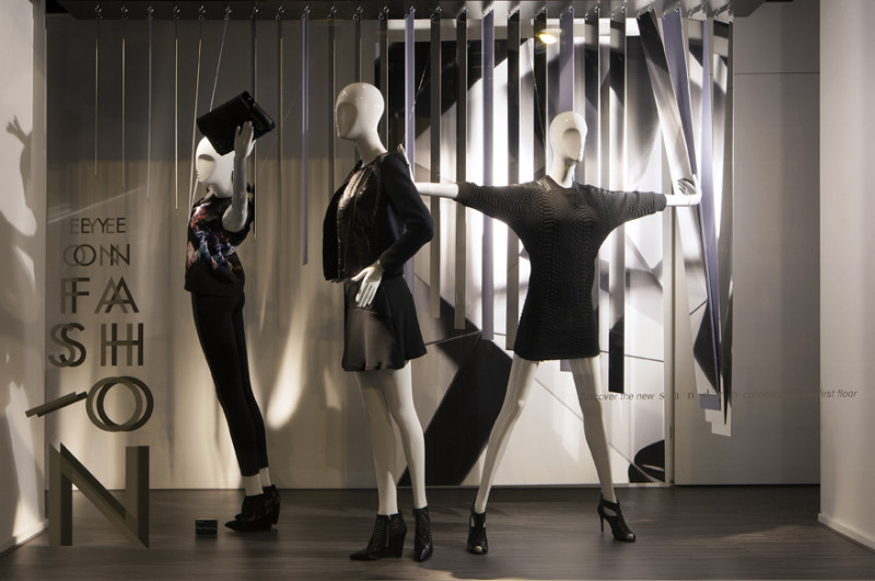 best-window-displays_de-bijenkorf_eye-on-fashion_StudioXAG_03