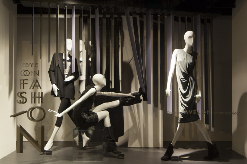 best-window-displays_de-bijenkorf_eye-on-fashion_StudioXAG_09