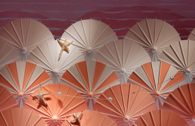 """Carefree Days by the Sea"" at Tiffany & Co Summer Window Display"