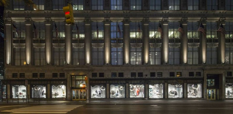 best-window-displays_saks-fifth-avenue_2013_fall_dior_08
