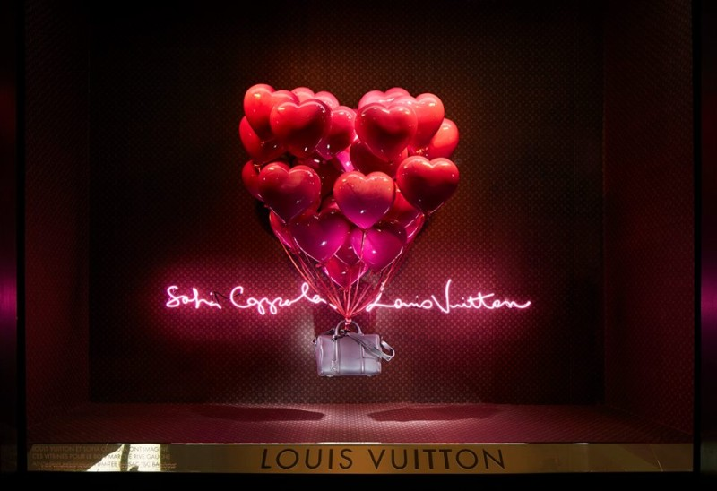 best-window-displays_louis-vuitton_2013_spring-summer_2014_sofia-coppola_02