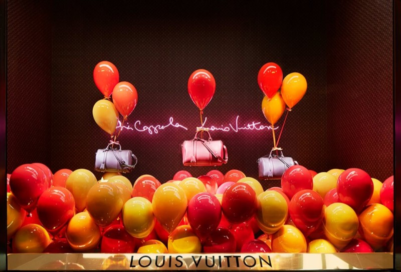 best-window-displays_louis-vuitton_2013_spring-summer_2014_sofia-coppola_07