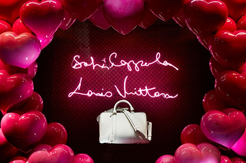 best-window-displays_louis-vuitton_2013_spring-summer_2014_sofia-coppola_08