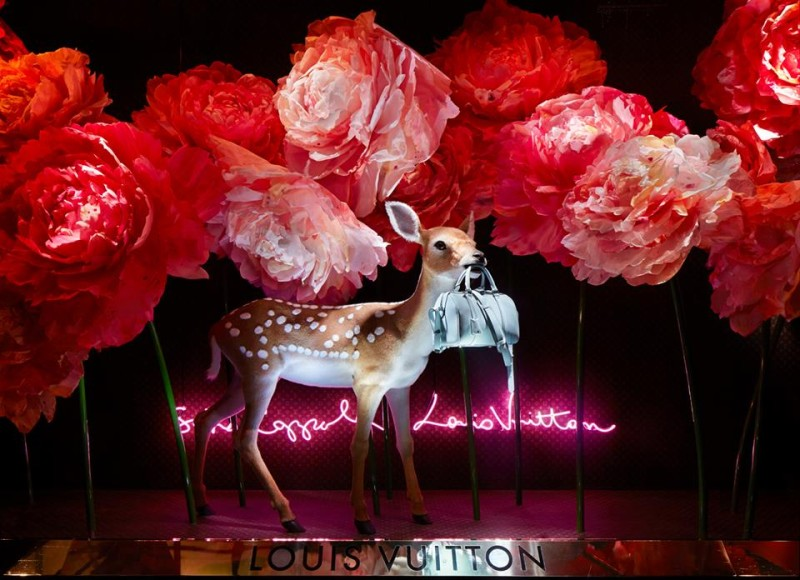 best-window-displays_louis-vuitton_2013_spring-summer_2014_sofia-coppola_11