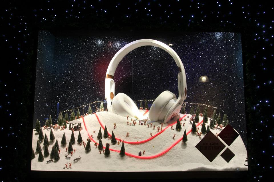 best-window-displays_selfridges_2013_christmas_destination-christmas_04