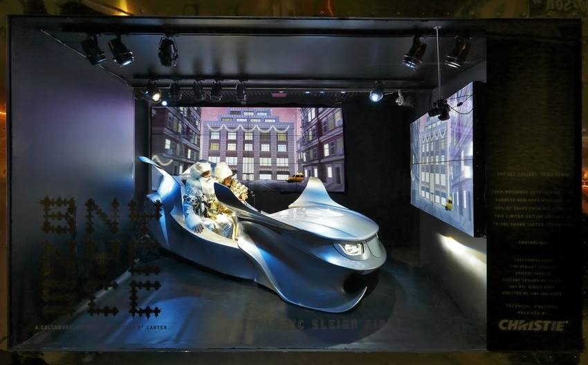 best-window-displays_barneys_2013_christmas_new-york-city_04
