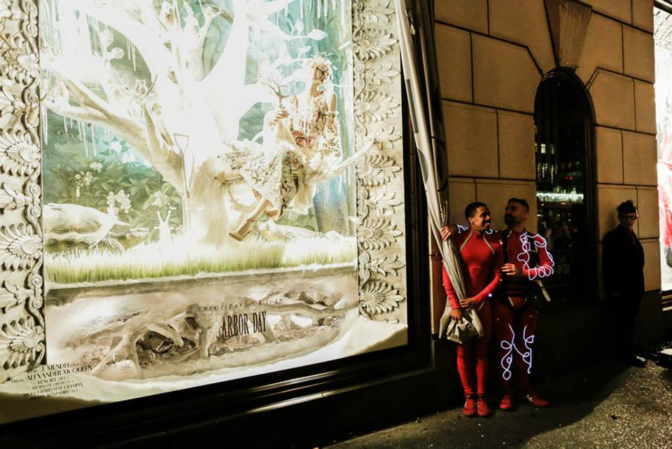 best-window-displays_bergdorf-goodman_2013_christmas_holidays-on-ice_13
