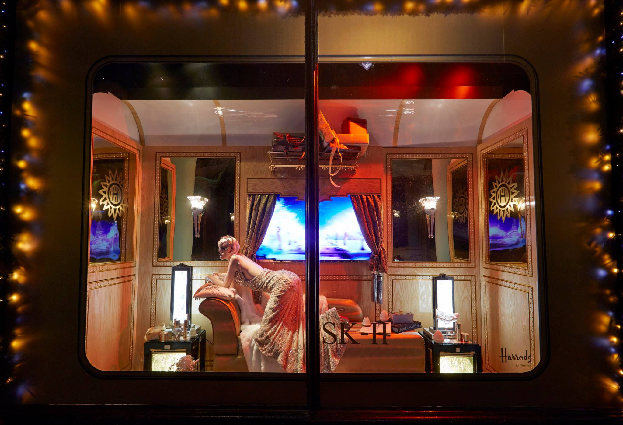 """The Harrods Express"" Christmas Window Display 2013 - Best ..."