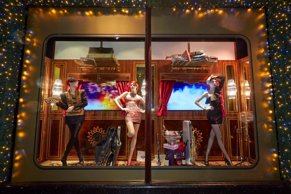best-window-displays_harrods_2013_christmas_the-harrods-express_11
