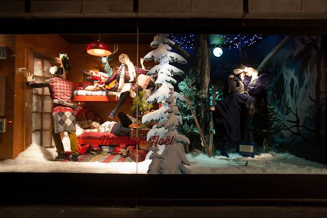 best-window-displays_holt-renfrew_2013_christmas_nothern-noel_03