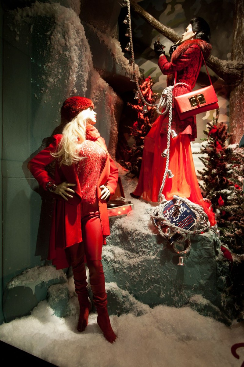 best-window-displays_holt-renfrew_2013_christmas_nothern-noel_10