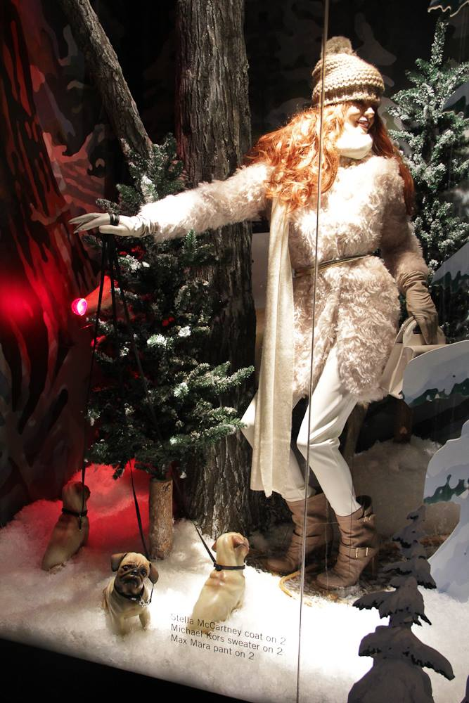 best-window-displays_holt-renfrew_2013_christmas_nothern-noel_13