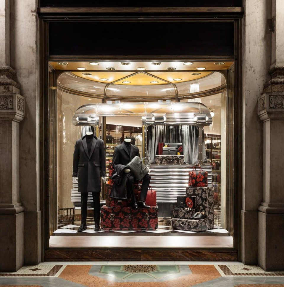 best-window-displays_prada_2013_christmas_03