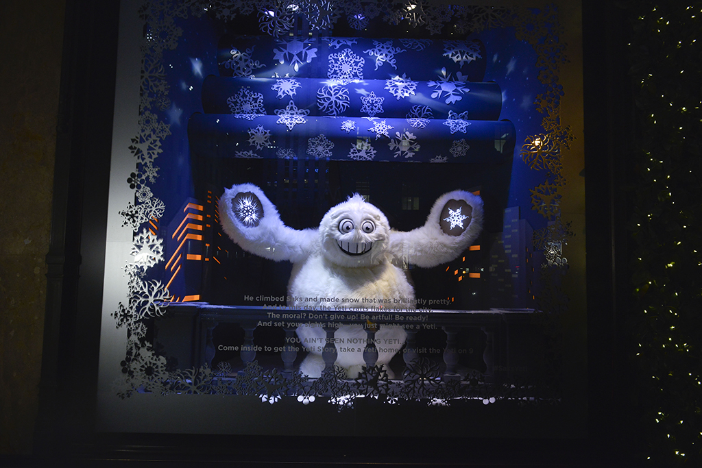 Saks Fifth Avenue Quot The Yeti Story Quot Holiday Window Display
