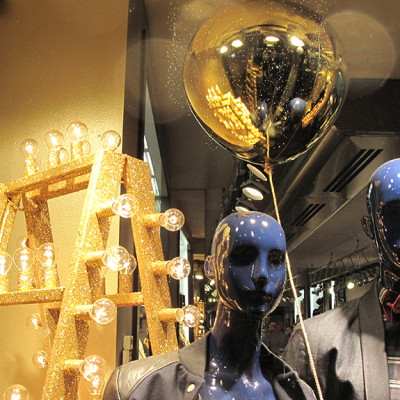 "Hilfiger Denim ""Gold & Black"" Holiday Window Display"
