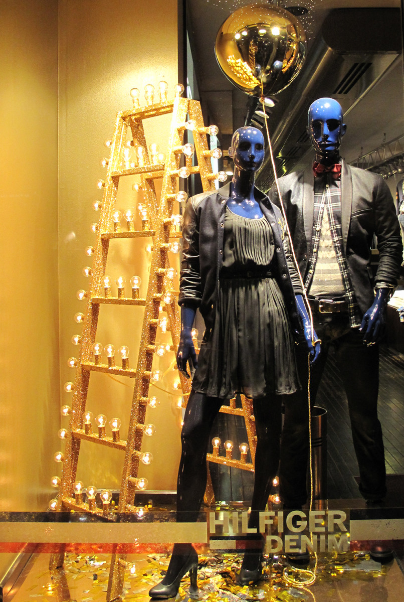 best-window-displays_hilfiger-denim_2013_christmas_02